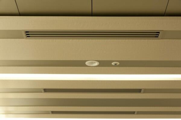 AM-1698 | advanced metallic,sustainia,wallcoverings | Sustainia